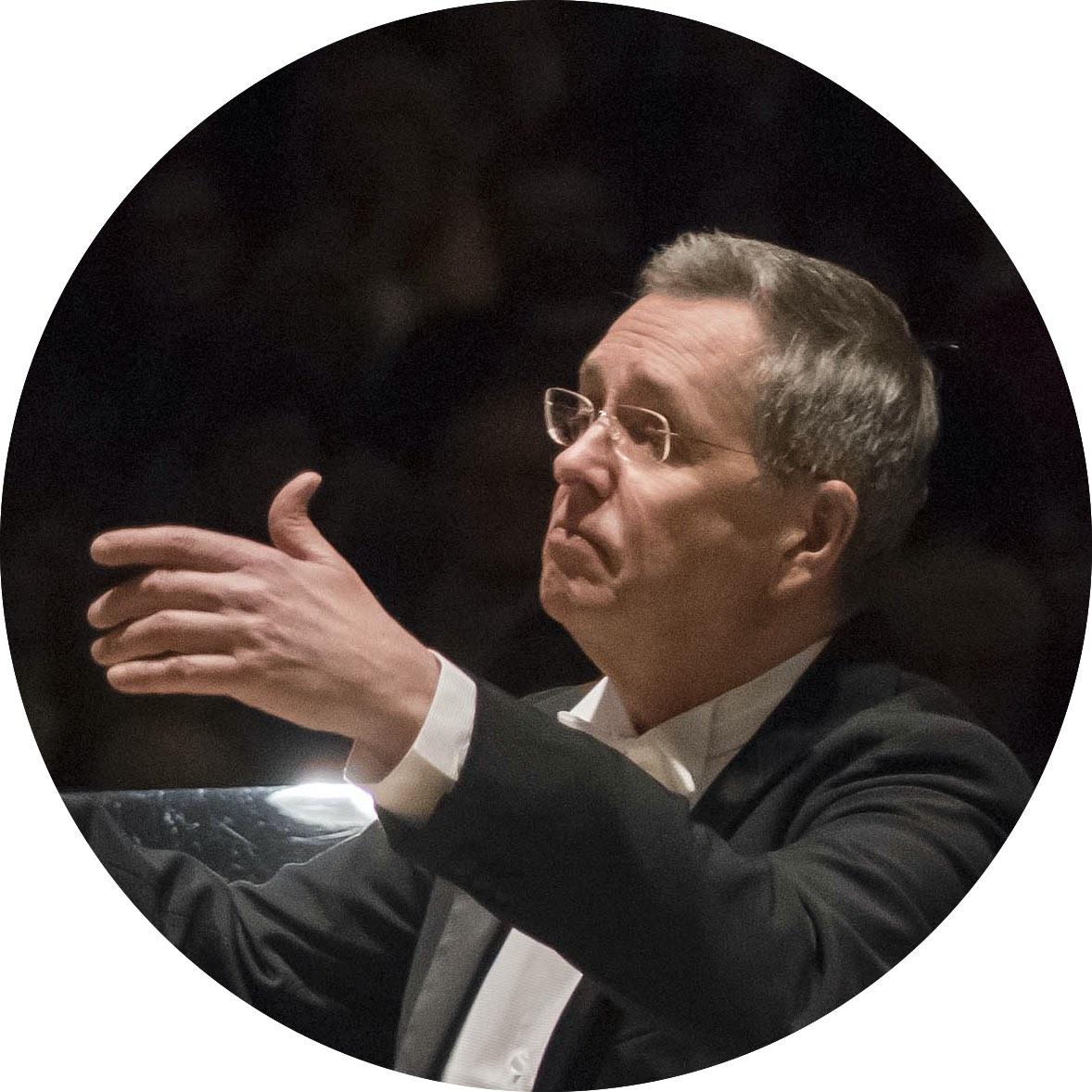 2001 – Douglas Bostock wird Chefdirigent