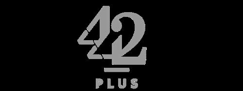 04_Logo_442plus_grau_klein_Footer